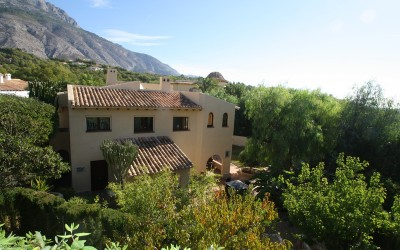 Mediterranean style villa with beautiful views in Altea