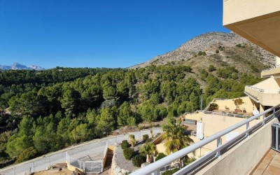 Apartment for annual rent with views of the mountains and the sea in Altea La Vella