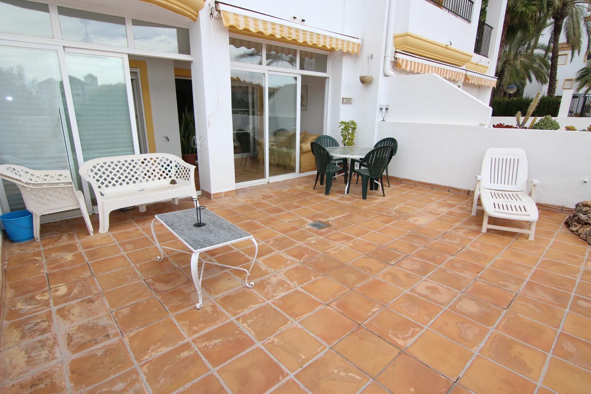 Bel appartement avec 2 grandes terrasses et vue sur mer for Appartement et terrasse
