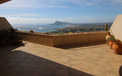 Apartment with incredible sea views in Altea